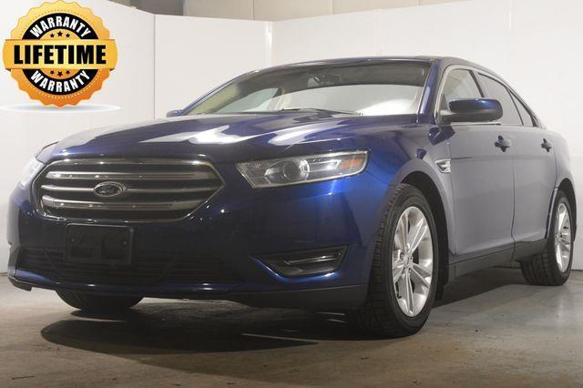 2015 Ford Taurus SEL photo