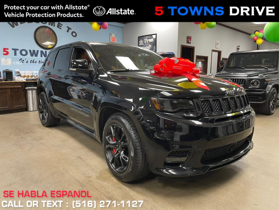 Used Jeep Grand Cherokee SRT 4x4 2017   5 Towns Drive. Inwood, New York