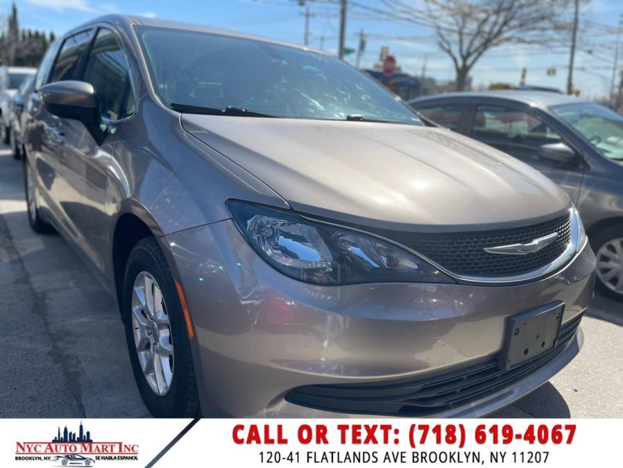 Used 2017 Chrysler Pacifica in Brooklyn, New York | NYC Automart Inc. Brooklyn, New York