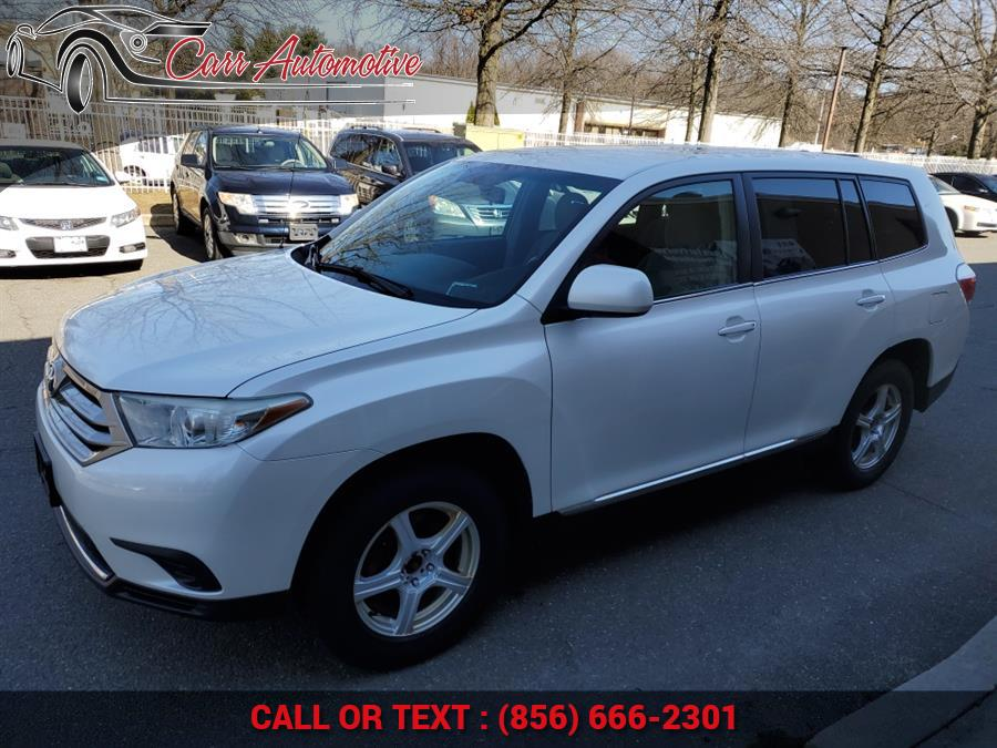 Used 2011 Toyota Highlander in Delran, New Jersey | Carr Automotive. Delran, New Jersey