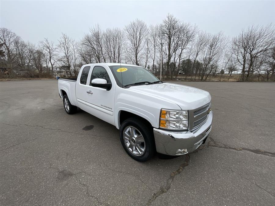 Used 2013 Chevrolet Silverado 1500 in Stratford, Connecticut | Wiz Leasing Inc. Stratford, Connecticut