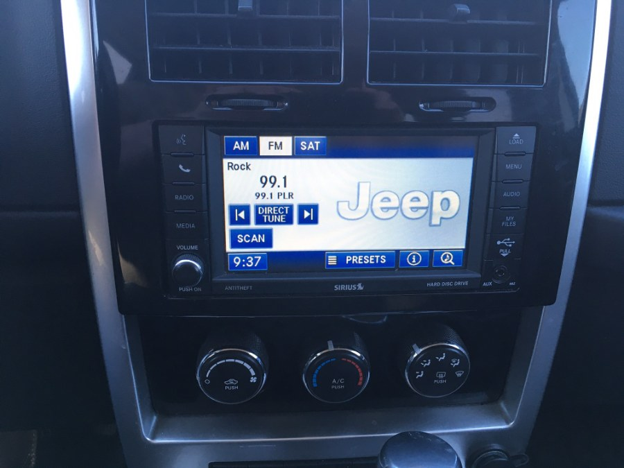 Used Jeep Liberty 4WD 4dr Arctic *Ltd Avail* 2012 | MACARA Vehicle Services, Inc. Norwich, Connecticut