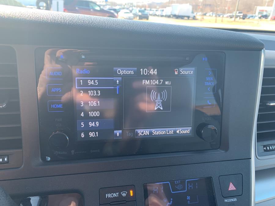 Used Toyota Sienna LE AWD 7-Passenger (Natl) 2017 | Saybrook Auto Barn. Old Saybrook, Connecticut