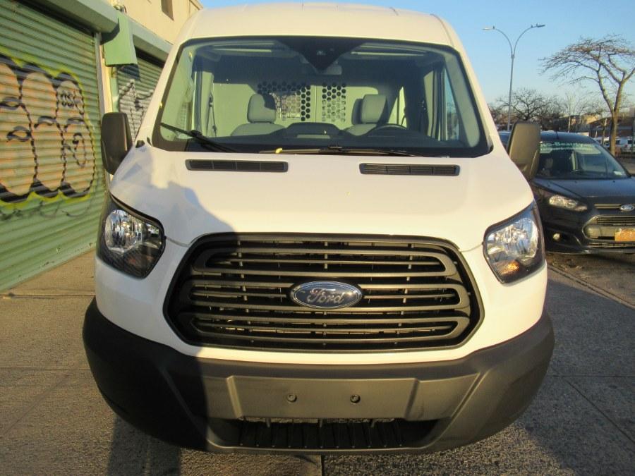 "Used Ford Transit Van T-250 148"" Med Rf 9000 GVWR Sliding RH Dr 2019 | Pepmore Auto Sales Inc.. Woodside, New York"