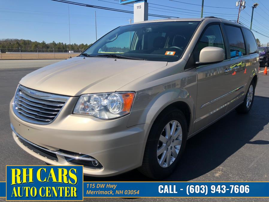 Used 2016 Chrysler Town & Country in Merrimack, New Hampshire | RH Cars LLC. Merrimack, New Hampshire