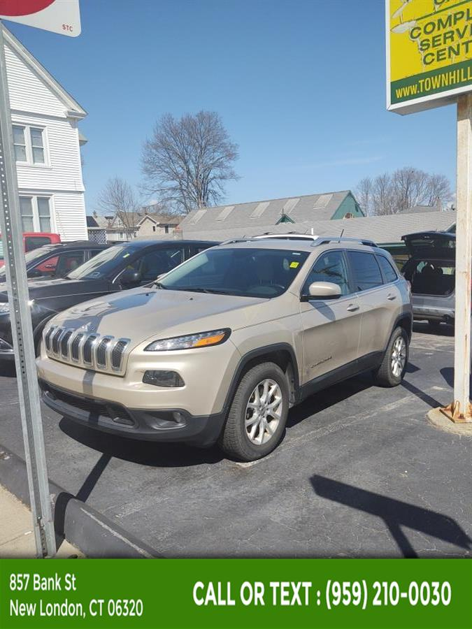 Used Jeep Cherokee 4WD 4dr Latitude 2015   McAvoy Inc dba Town Hill Auto. New London, Connecticut