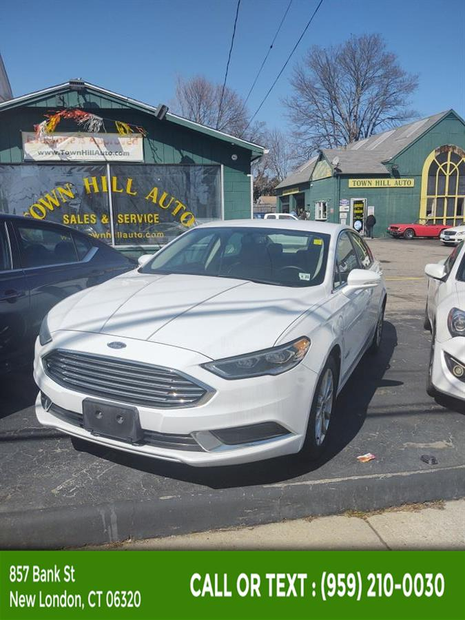 Used Ford Fusion Energi SE FWD 2018 | McAvoy Inc dba Town Hill Auto. New London, Connecticut