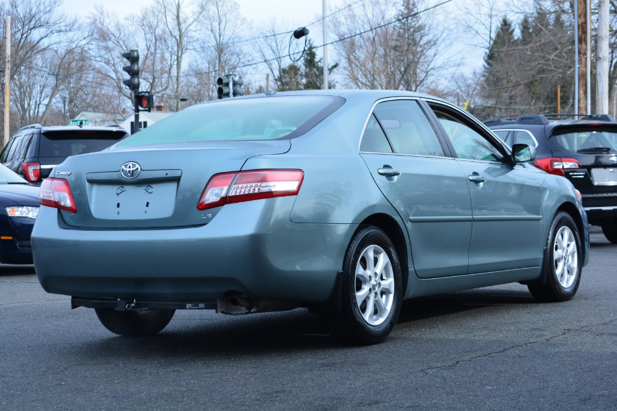 Used Toyota Camry 4dr Sdn I4 Auto LE (Natl) 2011 | Longmeadow Motor Cars. ENFIELD, Connecticut