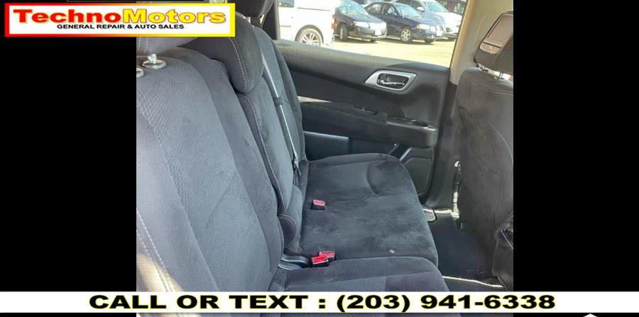 Used Nissan Pathfinder 4WD 4dr SV 2014   Techno Motors . Danbury , Connecticut