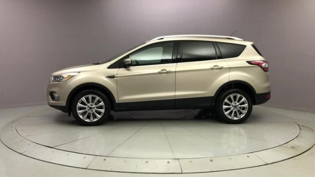 Used Ford Escape Titanium 4WD 2017 | J&M Automotive Sls&Svc LLC. Naugatuck, Connecticut