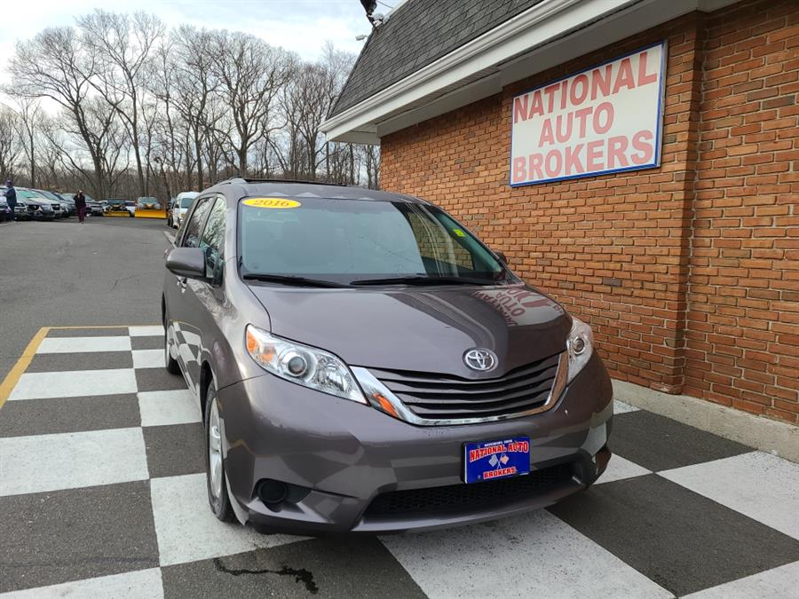 2016 Toyota Sienna 5dr 7-Pass Van LE photo