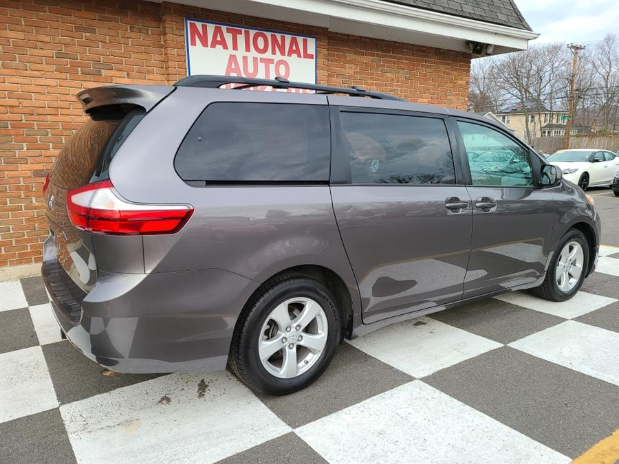 Used Toyota Sienna 5dr 7-Pass Van LE 2016 | National Auto Brokers, Inc.. Waterbury, Connecticut