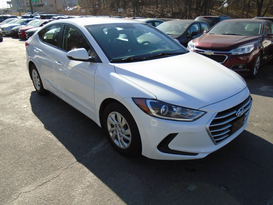 Used Hyundai Elantra SE 2.0L Auto (Alabama) 2018 | Jim Juliani Motors. Waterbury, Connecticut