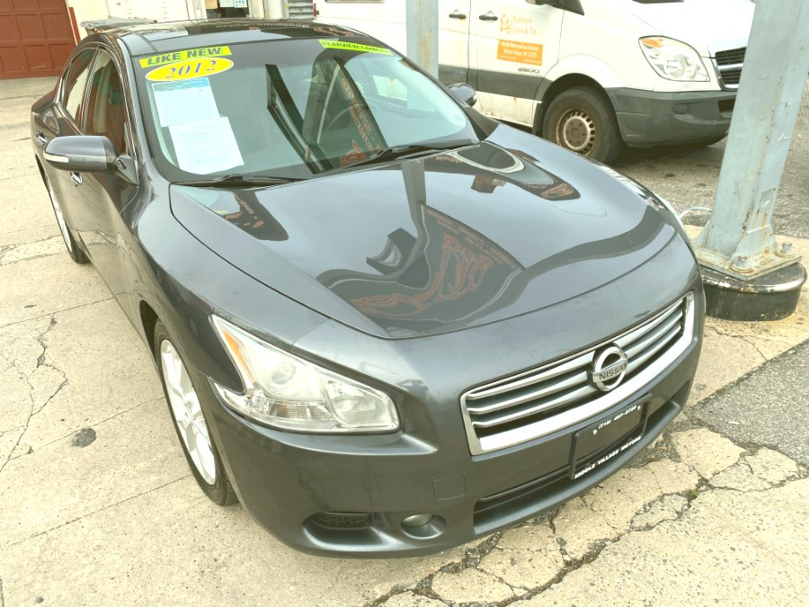 Used Nissan Maxima 4dr Sdn V6 CVT 3.5 SV w/Premium Pkg 2012 | Middle Village Motors . Middle Village, New York