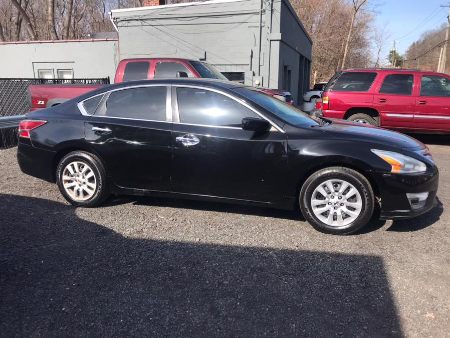 Used 2015 Nissan Altima in Berlin, Connecticut | Auto Drive Sales And Service. Berlin, Connecticut