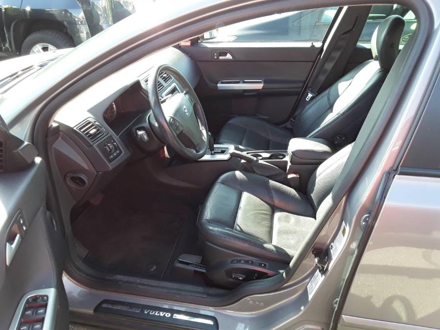 Used Volvo S40 2.5L Turbo Auto 2006 | Rubber Bros Auto World. Brooklyn, New York