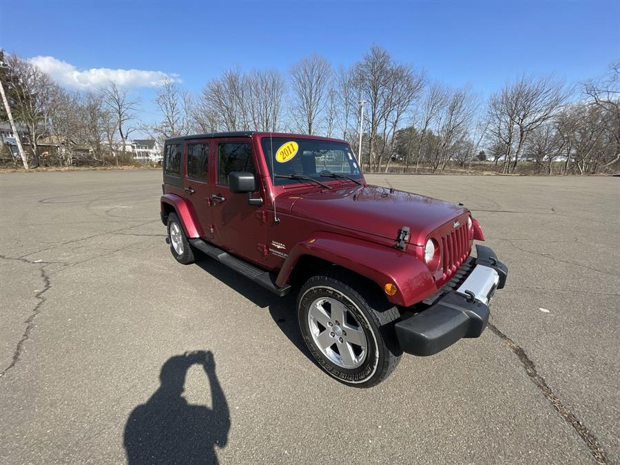 Used 2011 Jeep Wrangler Unlimited in Stratford, Connecticut | Wiz Leasing Inc. Stratford, Connecticut