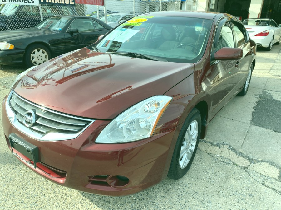 Used 2011 Nissan Altima in Middle Village, New York | Middle Village Motors . Middle Village, New York