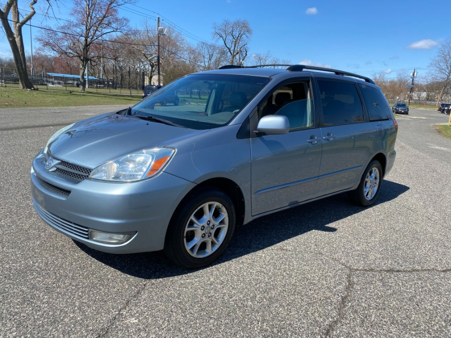 Used Toyota Sienna 5dr XLE AWD (Natl) 2004 | Cars With Deals. Lyndhurst, New Jersey