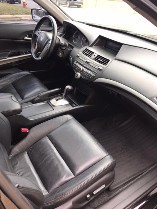 Used Honda Accord Sdn 4dr V6 Auto EX-L 2009 | CarMart Auto Services. Farmingdale, New York