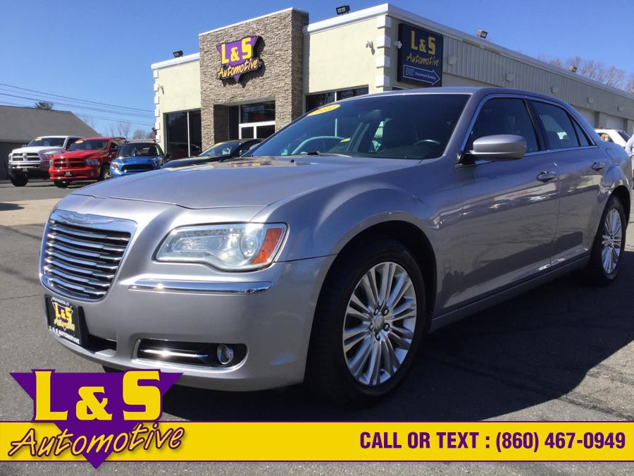 Used 2013 Chrysler 300 in Plantsville, Connecticut | L&S Automotive LLC. Plantsville, Connecticut