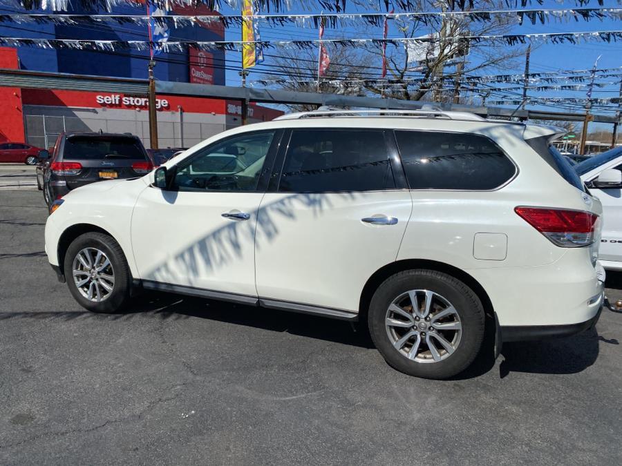 Used Nissan Pathfinder 4WD 4dr SV 2016 | Champion Auto Sales Of The Bronx. Bronx, New York