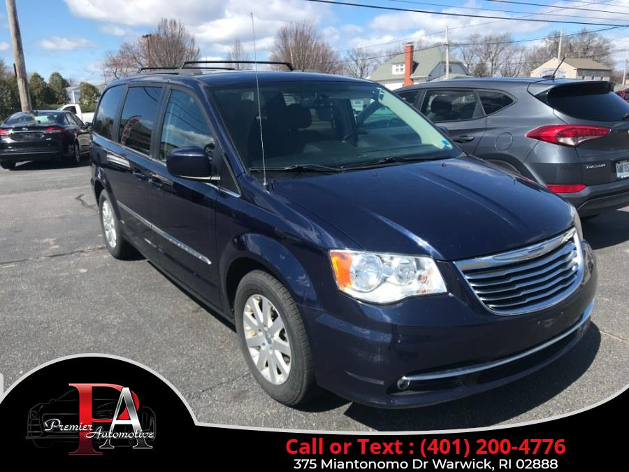Used 2015 Chrysler Town & Country in Warwick, Rhode Island | Premier Automotive Sales. Warwick, Rhode Island