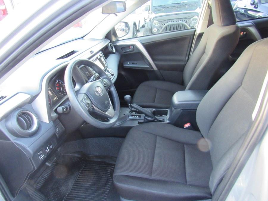 Used Toyota RAV4 LE 2018 | Hilario's Auto Sales Inc.. Worcester, Massachusetts
