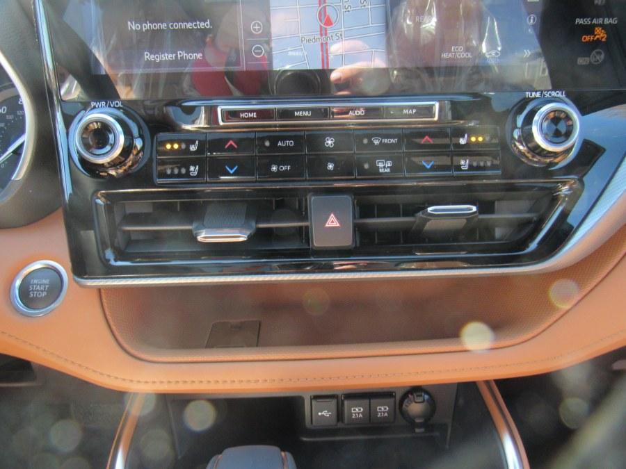 Used Toyota Highlander Platinum 2021 | Hilario's Auto Sales Inc.. Worcester, Massachusetts