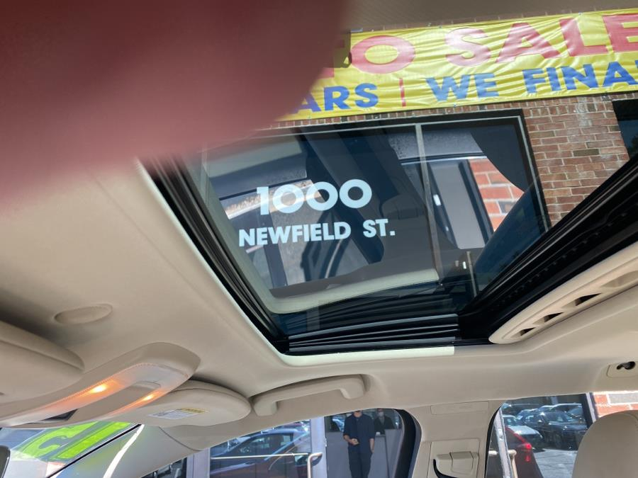 Used Volvo V60 2015.5 4dr Wgn T5 Drive-E Platinum FWD 2015   Newfield Auto Sales. Middletown, Connecticut