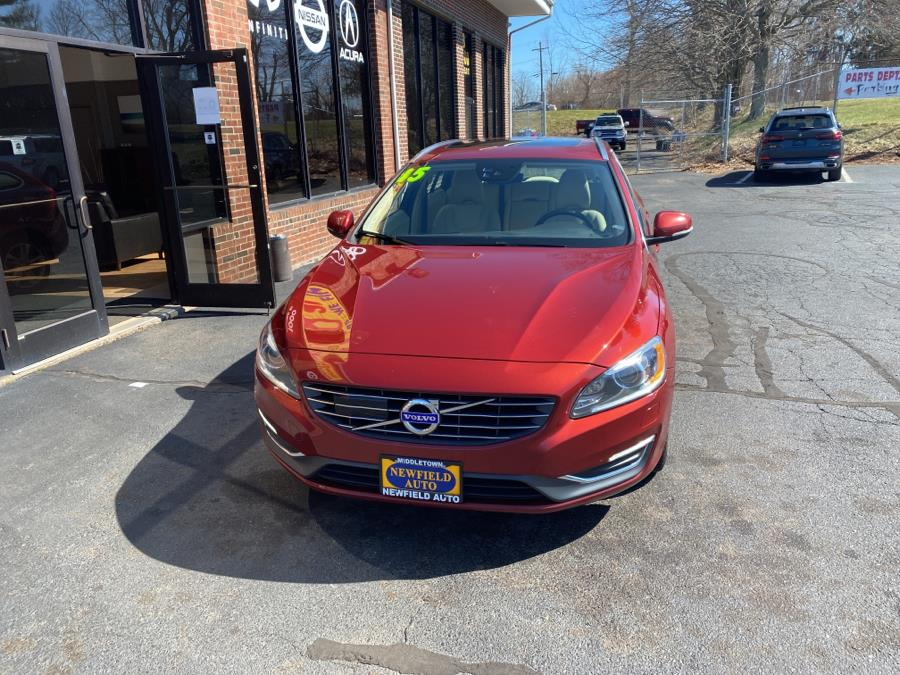 Used Volvo V60 2015.5 4dr Wgn T5 Drive-E Platinum FWD 2015 | Newfield Auto Sales. Middletown, Connecticut