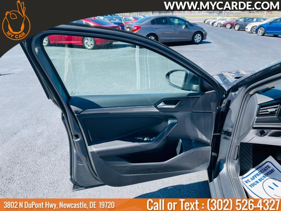 Used Volkswagen Jetta SEL Auto w/SULEV 2019 | My Car. Newcastle, Delaware
