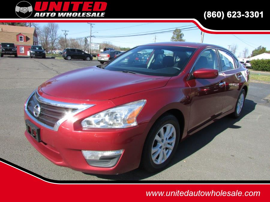 Used 2014 Nissan Altima in East Windsor, Connecticut | United Auto Sales of E Windsor, Inc. East Windsor, Connecticut