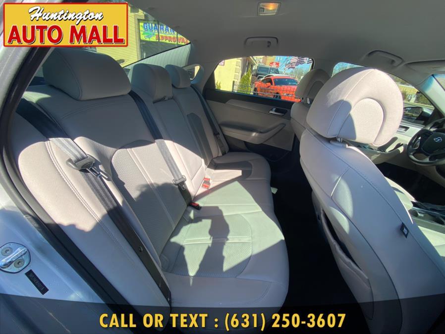 Used Hyundai Sonata 4dr Sdn 2.4L SE 2015 | Huntington Auto Mall. Huntington Station, New York