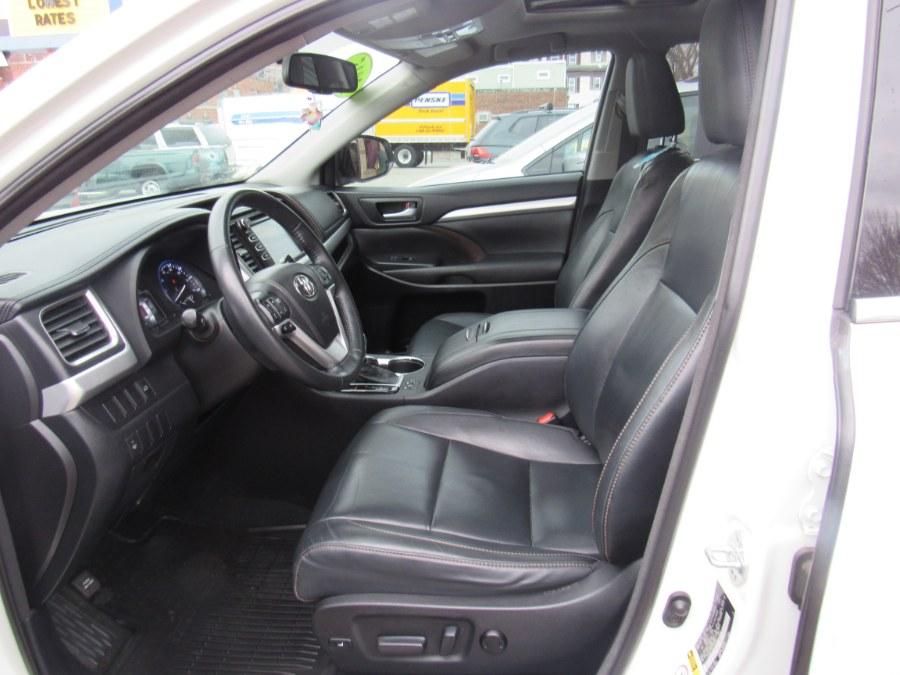 Used Toyota Highlander XLE 2015 | Hilario's Auto Sales Inc.. Worcester, Massachusetts