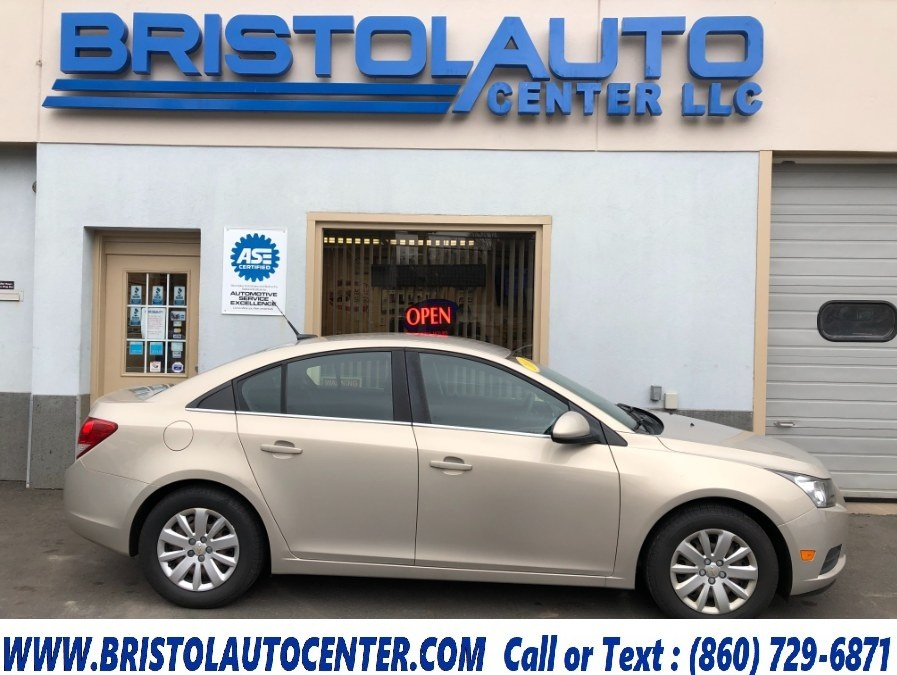 Used Chevrolet Cruze 4dr Sdn LT w/1LT 2011 | Bristol Auto Center LLC. Bristol, Connecticut