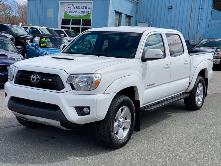 Used 2015 Toyota Tacoma in Ashland , Massachusetts | New Beginning Auto Service Inc . Ashland , Massachusetts