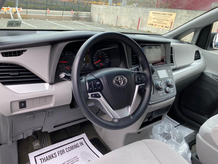 Used Toyota Sienna 5dr 7-Pass Van L FWD (Natl) 2015 | Cars With Deals. Lyndhurst, New Jersey