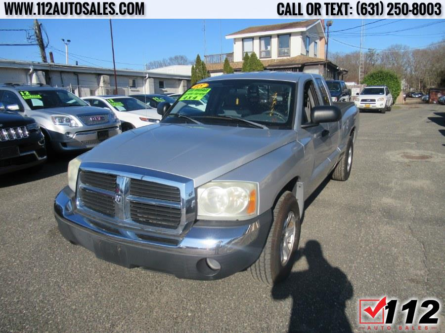 "Used Dodge Dakota 2dr Club Cab 131"" WB 4WD SLT 2005 | 112 Auto Sales. Patchogue, New York"