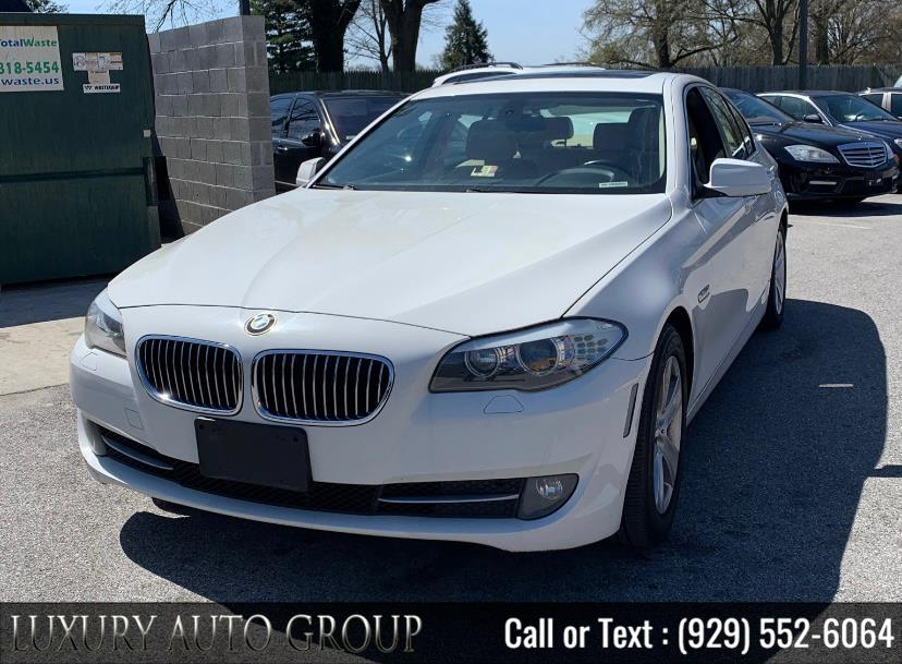 Used BMW 5 Series 4dr Sdn 528i RWD 2011 | Luxury Auto Group. Bronx, New York