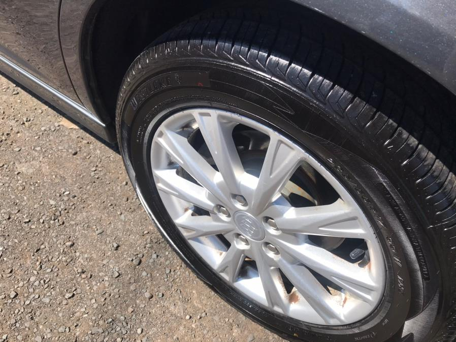 Used Buick Lucerne 4dr Sdn CX 2010 | Auto Drive Sales And Service. Berlin, Connecticut