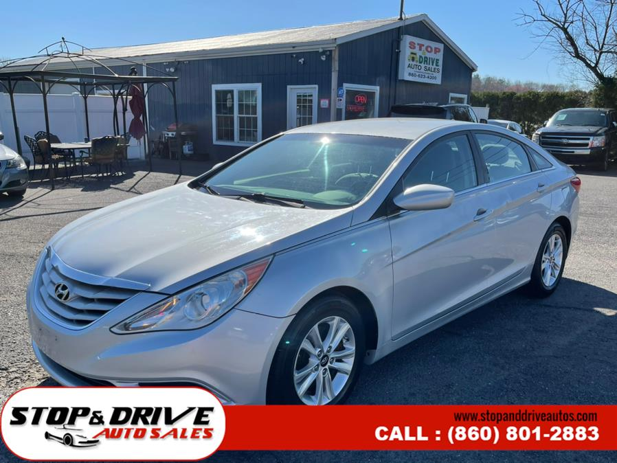 Used Hyundai Sonata 4dr Sdn 2.4L Auto GLS 2011 | Stop & Drive Auto Sales. East Windsor, Connecticut
