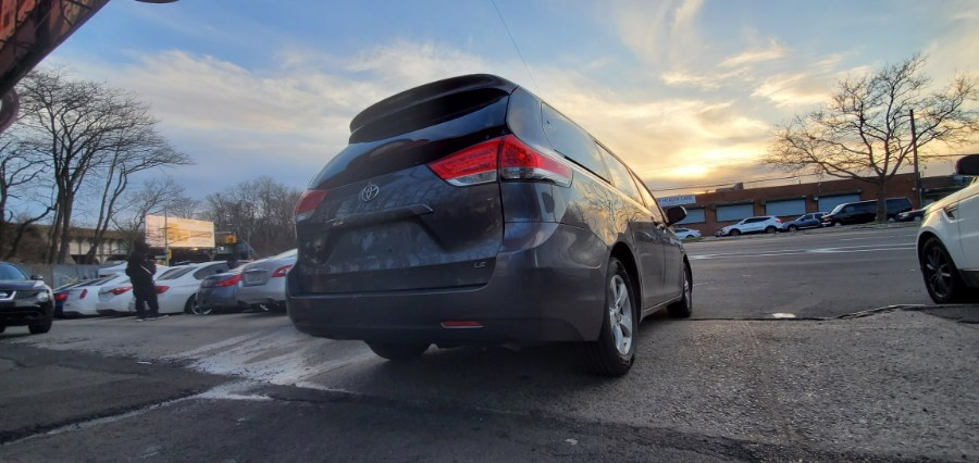 Used Toyota Sienna 5dr 7-Pass Van V6 LE FWD (Natl) 2011   Rubber Bros Auto World. Brooklyn, New York