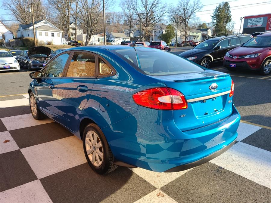 Used Ford Fiesta 4dr Sdn SE 2012 | National Auto Brokers, Inc.. Waterbury, Connecticut