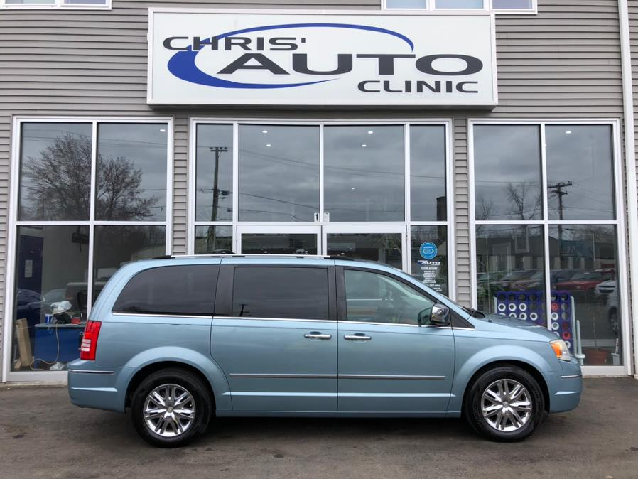 Used 2010 Chrysler Town & Country in Plainville, Connecticut | Chris's Auto Clinic. Plainville, Connecticut