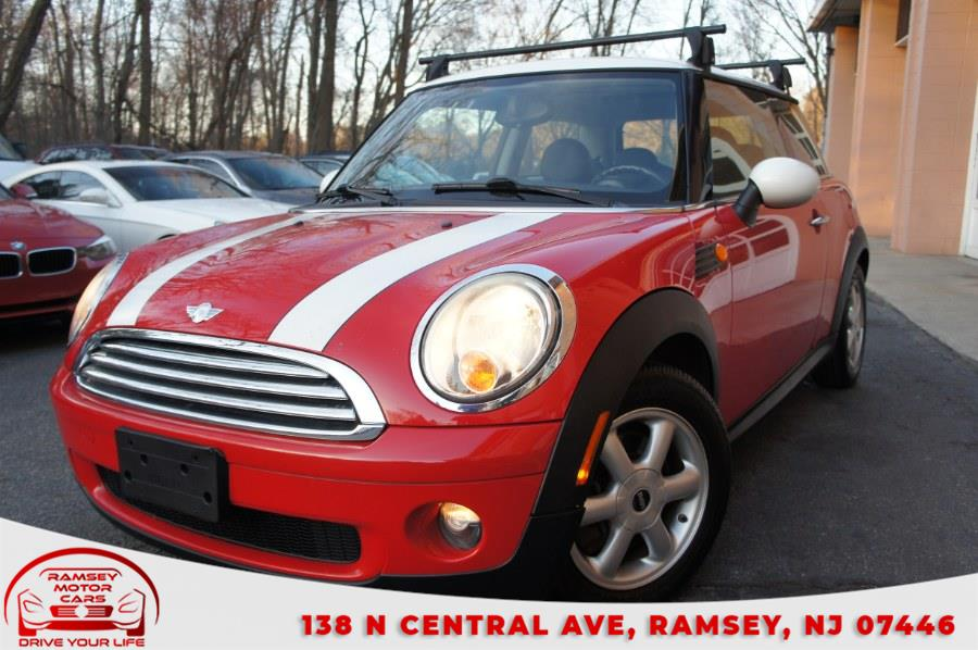Used 2009 MINI Cooper Hardtop in Ramsey, New Jersey | Ramsey Motor Cars Inc. Ramsey, New Jersey