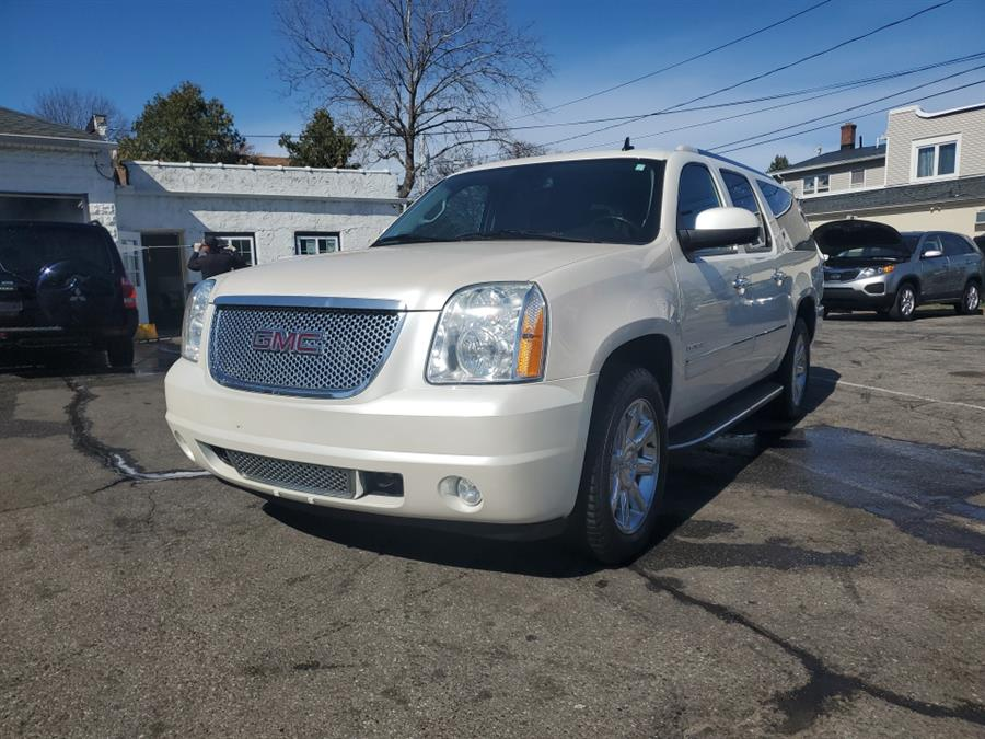 Used 2013 GMC Yukon XL in Springfield, Massachusetts | Absolute Motors Inc. Springfield, Massachusetts