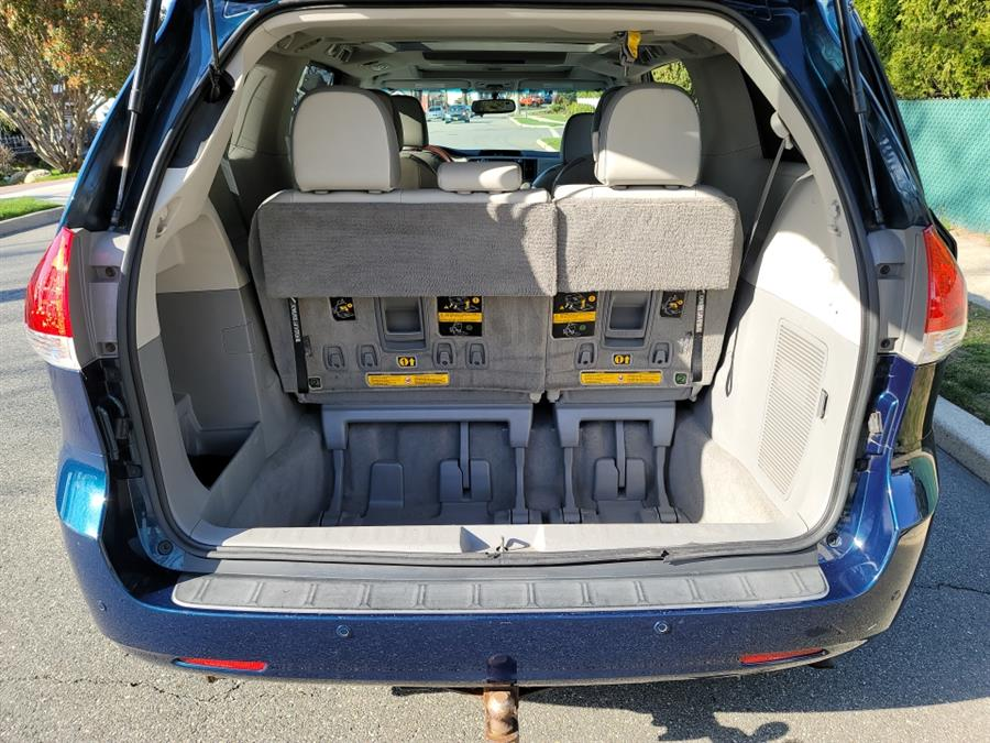 Used Toyota Sienna 5dr 7-Pass Van V6 Ltd AWD 2011   Daytona Auto Sales. Little Ferry, New Jersey