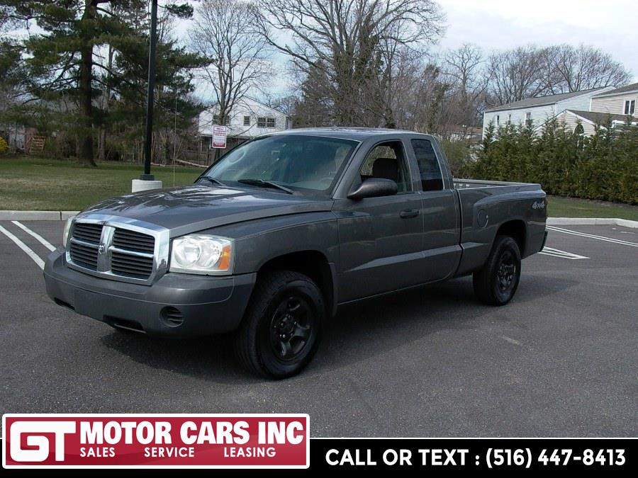 "Used Dodge Dakota 2dr Club Cab 131"" WB 4WD ST 2005"