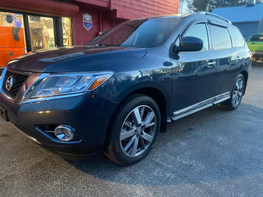Used 2015 Nissan Pathfinder in Hampton, Connecticut | VIP on 6 LLC. Hampton, Connecticut
